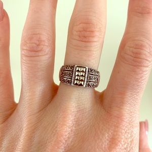 Jewelry - Sterling Silver Pyramid Grommet Ring Size 7